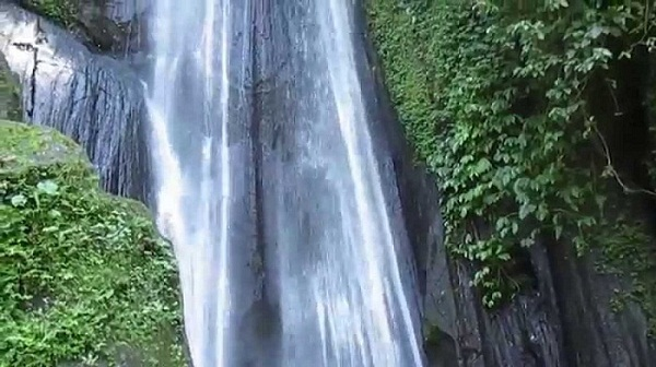 4 Air Terjun Terindah Di Bali Yang Bagus Dan Hits
